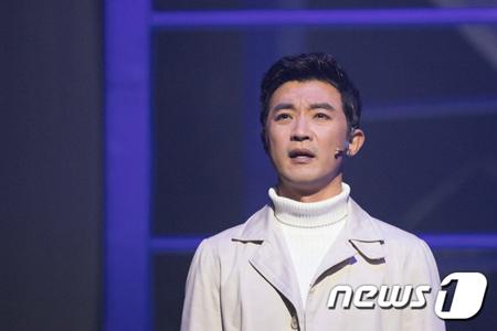 飲酒運転で摘発されて活動を一時中止していた韓国俳優アン・ジェウク(47)が、4月に日本でファンミーティングを開催する。(提供:news1)