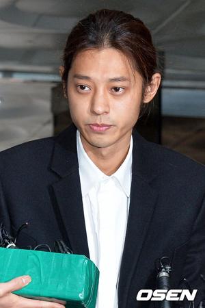 韓国歌手チョン・ジュンヨン(30)が、性行為等の盗撮および流布の容疑で逮捕された。(提供:OSEN)