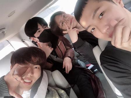 「INFINITE」ソンヨルの入隊をメンバーが見送り(画像:OSEN)