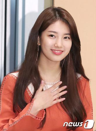 """""""JYP離れる""""スジ(元Miss A)、俳優コン・ユら所属のマネジメントSOOPと契約"""