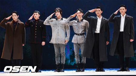 韓国ミュージカル「新興武官学校」側が、俳優たちを乗せたバスが接触事故を起こして26日に予定していた公演を取り消したことを明らかにした。(提供:OSEN)