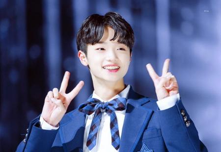 韓国オーディション番組「PRODUCE X 101」の初舞台がベールを脱いだ中、センターを務めるDSPメディア練習生のソン・ドンピョの過去の姿が話題になっている。(写真提供:OSEN)