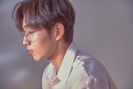 歌手イ・ソクフン(sg WANNABE)、4月2日にカムバック=「ROCOBERRY」プロデュース曲(提供:news1)