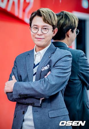 """韓国歌手トニー・アン(H.O.T.)が、山火事被害が続く中で""""燃える金曜日""""という単語を使ったことに対して謝罪した。(提供:OSEN)"""