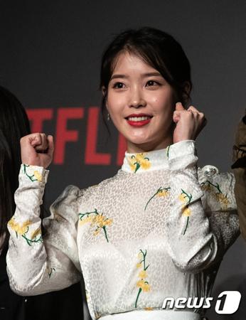 韓国歌手IU(アイユー)が、江原道(カンウォンド)の山火事被害地域を助けるために1億ウォン(約1000万円)を寄付した。(提供:news1)