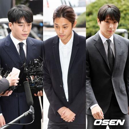 韓国歌手チョン・ジュンヨン(30)、V.I(元BIGBANG、28)、チェ・ジョンフン(元FTISLAND、29)が、KBSに無期限の出演停止措置をされた。(提供:OSEN)
