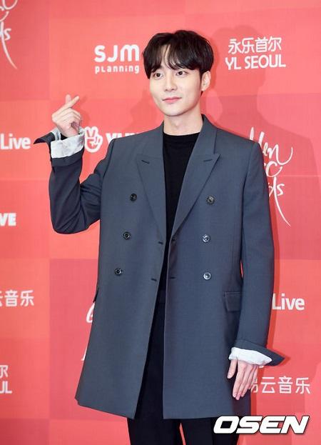 わいせつ物流布容疑の歌手ロイ・キム、きょう(10日)警察調査=麻薬捜査も実施か