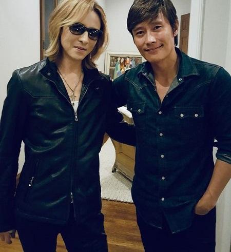 俳優イ・ビョンホンが日本のロックバンド「X JAPAN」のYOSHIKIに感謝の気持ちを伝えた。(提供:OSEN)