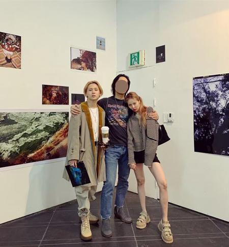 """ヒョナ&イドン、""""展示会デート""""でカムバックに向けたインスピレーション享受? (画像:OSEN)"""