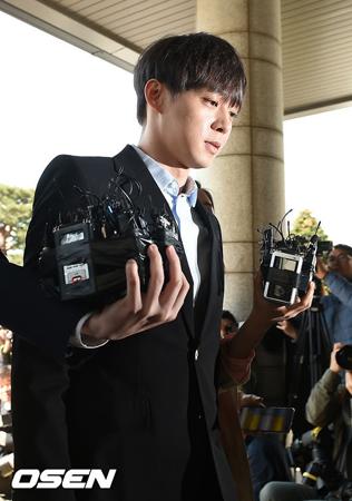 韓国歌手兼俳優のパク・ユチョン(JYJ、32)が薬物使用容疑に関して初めての事情聴取を終えた。(提供:OSEN)