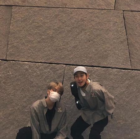 """韓国歌手ジェジュン(JYJ)とイム・シワン(ZE:A)が""""ラブラブな""""写真を公開した。(提供:OSEN)"""
