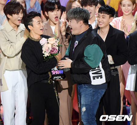 韓国ボーイズグループ「SUPER JUNIOR」のユニット「SUPER JUNIOR-D&E」が、新曲「Danger」で1位を獲得した。(提供:OSEN)