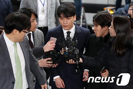V.I(元BIGBANG)、日本人投資家の韓国ホテル費用をYG法人カードで決済か… YG側は否定(画像:news1)