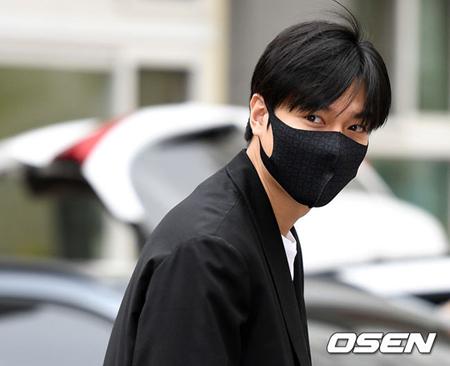 韓国俳優イ・ミンホ(31)が25日午前、国防の義務を終えて除隊した。(提供:OSEN)