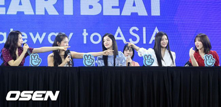 韓国ガールズグループ「Red Velvet」が、夏に新曲を発表することを予告した。(提供:OSEN)