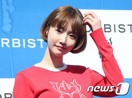 女優コ・ジュンヒが「BIGBANG」の元メンバー、V.I(スンリ)の団体チャットルームのデマに関する悪質なコメントを書き込んだネットユーザーを告訴した。(提供:news1)
