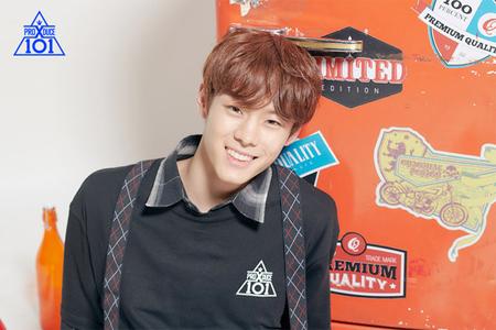 韓国Mnetで新たに始まったサバイバルオーディション番組「PRODUCE X 101」に出演中の練習生ユン・ソビンが、校内暴力組織の一員だったという噂が浮上した。(提供:news1)
