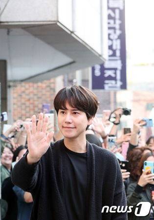韓国ボーイズグループ「SUPER JUNIOR」メンバーのキュヒョンが除隊し、2年ぶりにファンのもとに戻ってきた。(提供:news1)