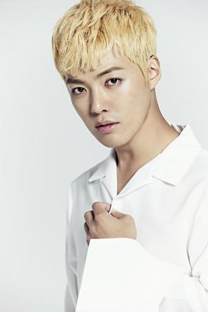 韓国で歌手兼タレントとして活動しているKangnamが、Dmostエンターテインメントに移籍した。(提供:news1)