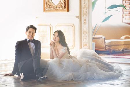韓国俳優カン・テソン(39)が、女優チョン・アラと6月15日にソウル・江南(カンナム)のウェディングホールにて非公開で挙式をおこなうという。(提供:OSEN)