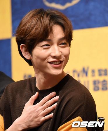 韓国俳優ソン・ジュンギが、大作の主演としてのプレッシャーや結婚してから初めてのドラマ復帰になどについて率直に語った。(提供:OSEN)