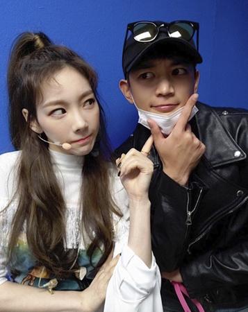 韓国ガールズグループ「少女時代」メンバーのテヨンが、事務所の後輩「SHINee」のミンホに対する愛情を表した。(写真提供:OSEN)
