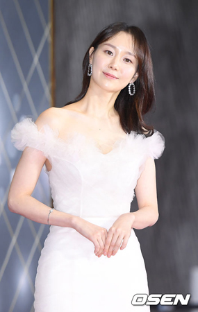 韓国女優イ・ユヨン(29)が、SNSに意味深長な文章を掲載してネットユーザーを心配させた中、所属事務所がこれを釈明した。(提供:OSEN)