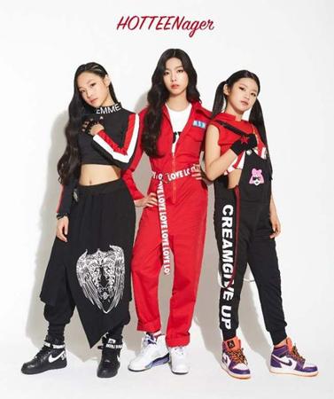韓国内最年少となるヒップホップガールズグループ「HOT TEEN」に熱い関心が注がれている。(提供:OSEN/左からイェボン、ウンジョン、イェワン)