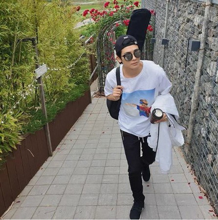 韓国歌手兼俳優パク・ヒョンシク(ZE:A)が、グラビアのような日常を公開して話題になっている。(写真提供:OSEN)
