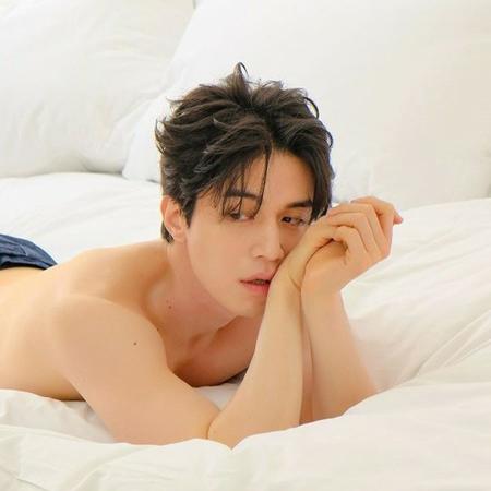 韓国俳優イ・ドンウクが、様々な魅力を放つグラビアを公開して話題になっている。 (写真提供:OSEN)