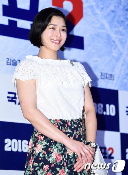 【公式】女優ソヌ・ソン、アクション俳優イ・スミンと7月14日に結婚