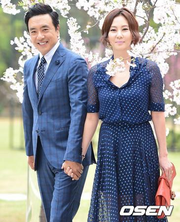 """韓国女優キム・ナムジュが、""""失踪届騒動""""に関して明るく笑って答えた。(提供:OSEN)"""