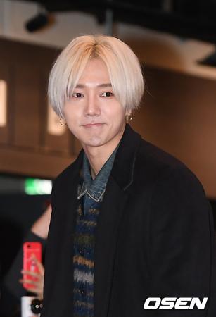 韓国ボーイズグループ「SUPER JUNIOR」のイェソンが、自粛中のメンバー、カンインの復帰を応援したことを再び謝罪した。(提供:OSEN)
