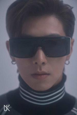 初のソロアルバム発表を控えているユンホ(東方神起)が、タイトル曲「Follow」のティザー写真を公開した。(提供:OSEN)
