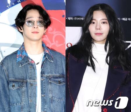 韓国歌手ナム・テヒョンが、二股疑惑騒動に関して今回は直筆の謝罪文でチャン・ジェインとメッセンジャーの相手の女性に気持ちを伝えた。(提供:news1)