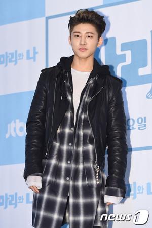 """韓国ボーイズグループ「iKON」元メンバーのB.I(22、本名:キム・ハンビン)の薬物疑惑の手掛かりとなるカカオトークの会話の相手である""""Aさん""""が、執行猶予中の歌手練習生ハン・ソヒ(24)だという。(写真提供:"""
