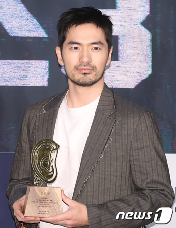 韓国俳優イ・ジヌク(37)が、BHエンタテインメントに移籍する。(提供:news1)