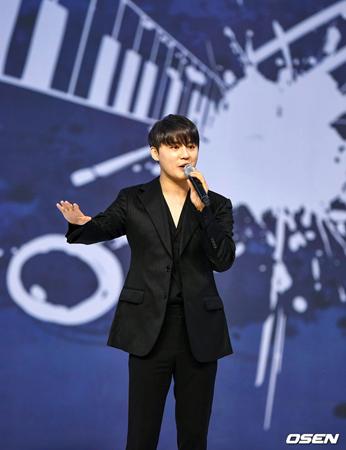 韓国歌手キム・ジュンス(JYJ)が、「2019 ASEAN Week」開幕式の祝賀公演に出演した。(写真提供:OSEN)