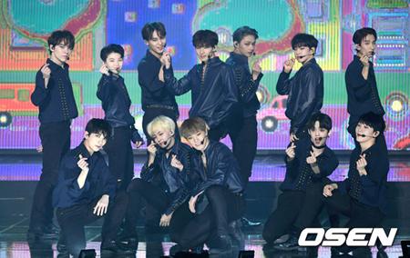 韓国ボーイズグループ「SEVENTEEN」が、飛行機を遅延させたという疑惑について釈明した。(提供:OSEN)