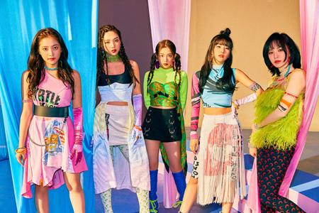韓国ガールズグループ初の快挙! 「Red Velvet」がiTunesのUS TOPアルバムチャートで1位、世界のチャートを席巻(画像:オフィシャル)
