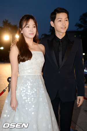 韓国俳優ソン・ジュンギと女優ソン・ヘギョが離婚を発表した中、側近がやるせない気持ちを表した。(提供:OSEN)