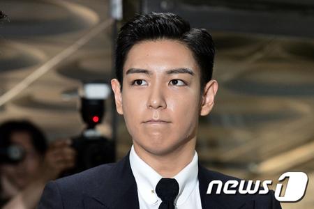 韓国男性グループ「BIGBANG」メンバーのT.O.Pの召集解除日が予定より2日早まることになった。龍山(ヨンサン)工芸館の勤務日による決定だという。(提供:news1)