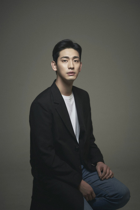 JYPエンターテインメント、演技者パートを整理? 「様々な方向で検討中」 写真はJYPエンターテインメント俳優パート所属の俳優ユン・パク。(提供:news1)