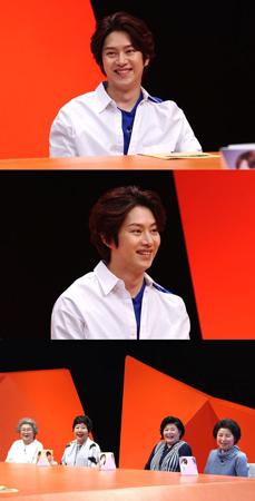 """韓国ボーイズグループ「SUPER JUNIOR」メンバーのヒチョルが、イケメンぶりとウィットに富んだトークで""""母ベンジャーズ""""たちの心をつかんだ。(提供:OSEN)"""
