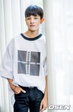 """韓国歌手サムエル(17)の父親ホセ・アレドンド氏が死亡したとアメリカのメディアで報じられている中、ファンがサムエルを慰めるための""""書き込み運動""""をおこなっている。(提供:OSEN)"""