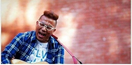 歌手でお笑い芸人のキム・チョルミン(52、本名キム・チョルスン)が末期の肺がんであることを告白し、仲間やファンたちから応援の声が寄せられている。(提供:news1)