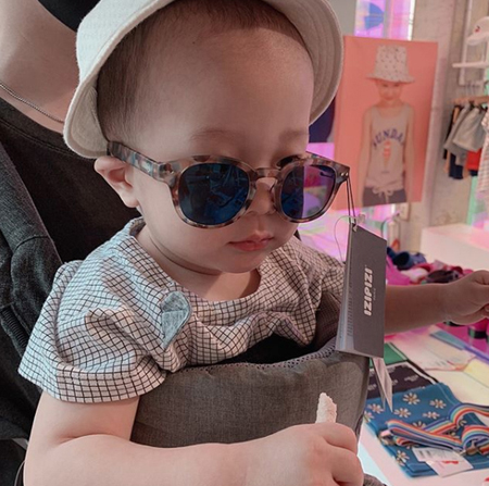 韓国バンド「FTISLAND」メンバーのイ・ジェジンが、チェ・ミンファン妻のユルヒの双子妊娠を祝った。(写真提供:OSEN)