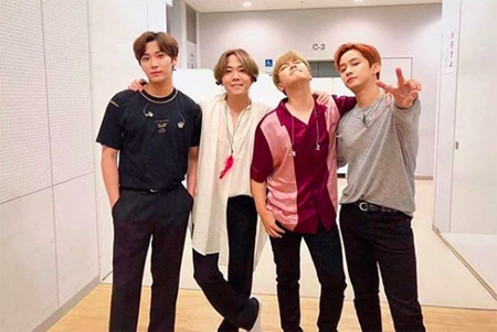 韓国男性バンド「FTISLAND」のメンバーたちがチェ・ミンファン-ユルヒ夫妻の双子妊娠のニュースを祝福した。(提供:OSEN)