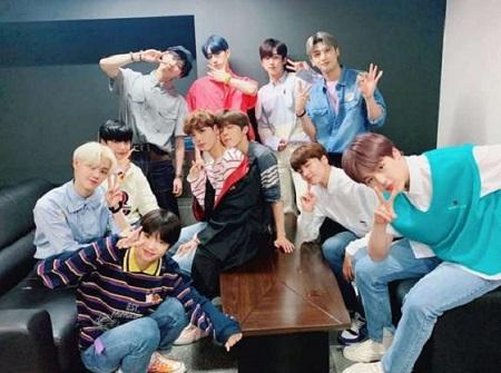 ボーイズグループ「X1」が、デビュー後初のサイン会を開いた。(提供:OSEN)