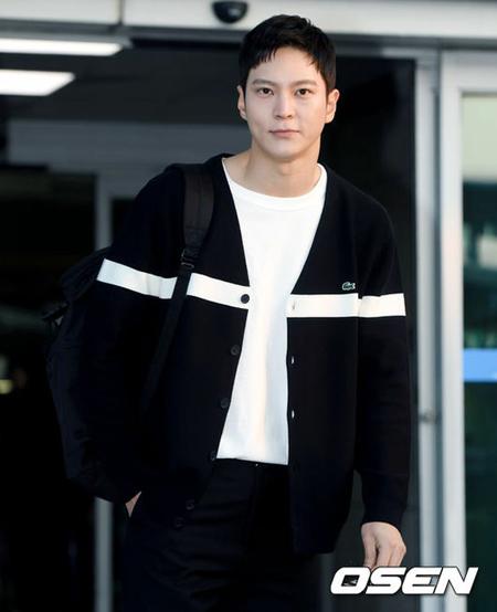 韓国俳優チュウォンの作品選定能力がコミュニティサイトで話題になっている。(写真提供:OSEN)